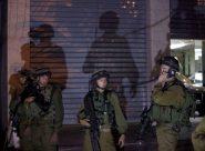 الاحتلال ينفذ حملة مداهمات واعتقالات في مناطق مختلفة من الضفة الغربية