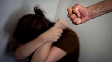 العنف ضد المرأة.. الأسباب والعلاج